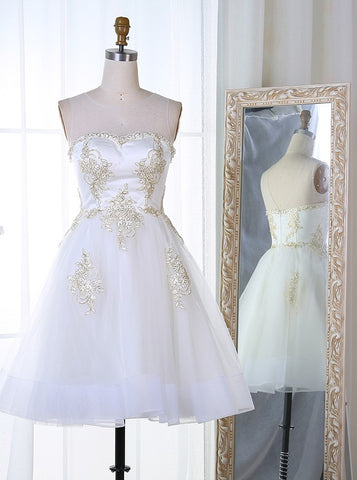 Bateau Short White Tulle Appliques Homecoming Dress