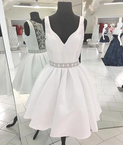 Pretty White V Neck Beads Short Prom Homecoming Dress