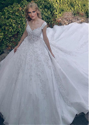 Beading Lace V-neck Vintage Ball Gown Wedding Dress