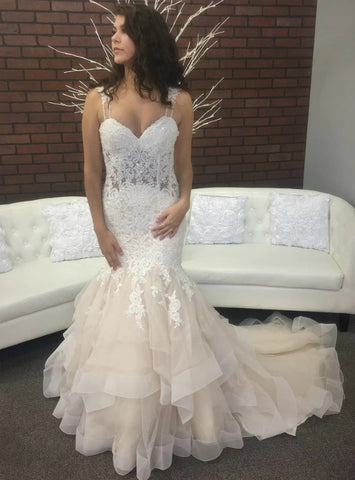 Champagne Mermaid Straps Tulle Lace Appliques Wedding Dress