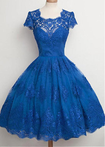 Romantic Tulle Scoop Neckline Ball Gown Homecoming Dresses With Lace Appliques