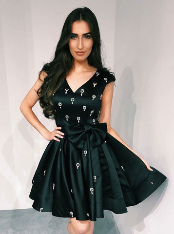 Bowknot Pleated Black Satin A-Line V-Neck Homecoming Dress