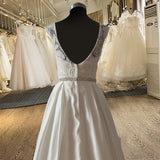 Elegant A-line Sweetheart Lace Bodice Beaded Belt Wedding Dress