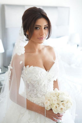 Flowers Ruffles Tulle Court Train Sweetheart Appliques Bridal Wedding Dress