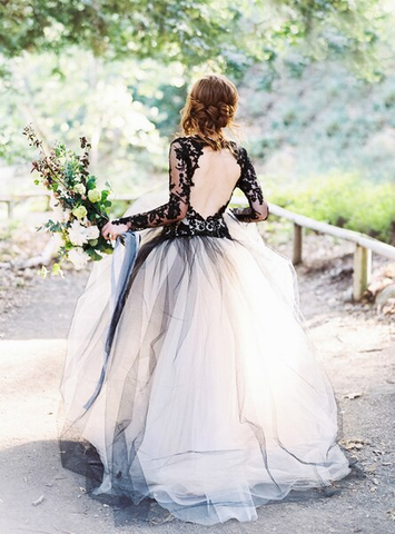 Long Sleeve Black Lace Appliques V-neck Ball Gown Tulle Wedding Dress