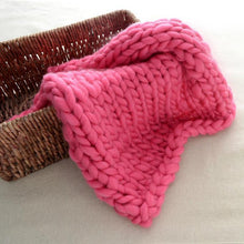 Load image into Gallery viewer, Blankets hot pink / 60x60cm Super Chunky Knit Blanket