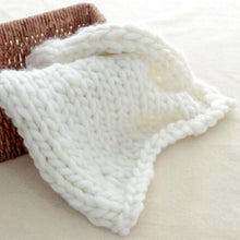 Load image into Gallery viewer, Blankets white / 60x60cm Super Chunky Knit Blanket