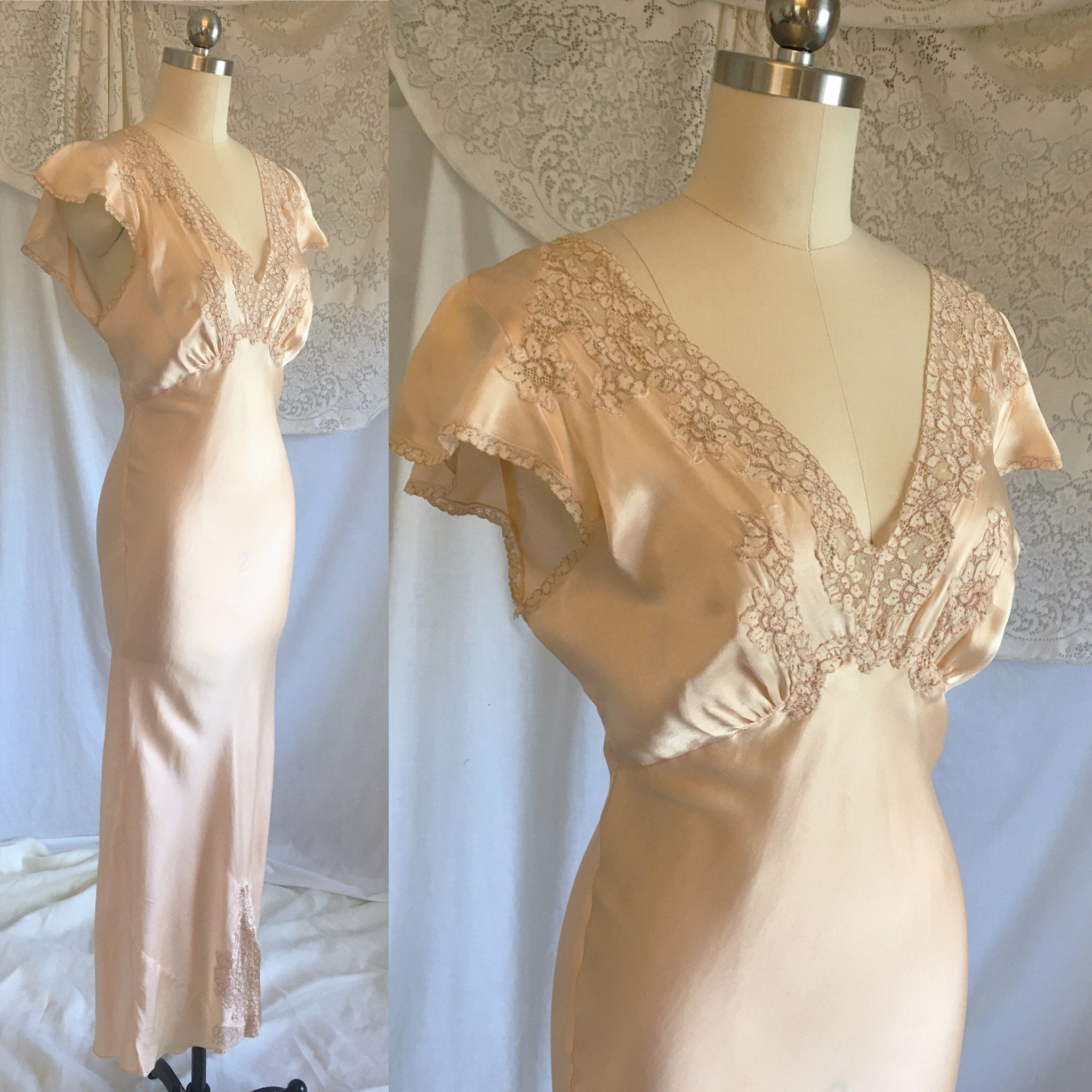Vintage 1930's Nightgown | Pale Peach Silk with Embroidered Alençon Lace | Size XS, S - Daggers & Dames