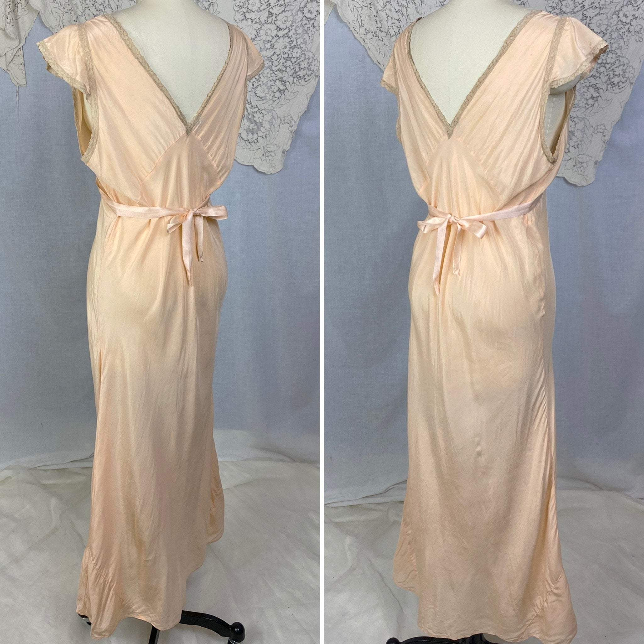 Vintage 1930's Nightgown | Rich Peach Silk with Deep Nude Lace & Silk Rosettes | Size LG | Reliance - Daggers & Dames
