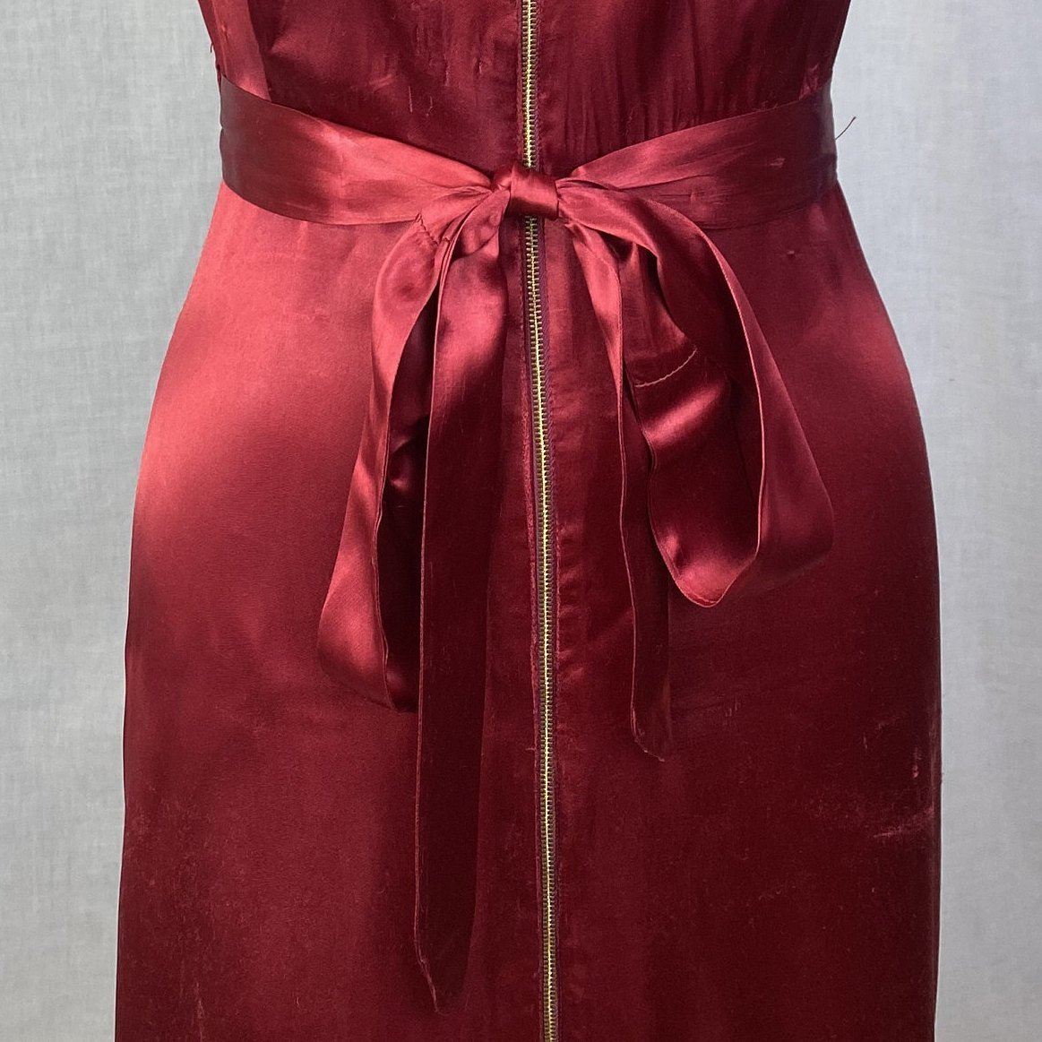 Vintage 1940's Dressing Gown | Ruby Red Rayon Satin with Shirred Princess Sleeves & Brass Zipper | Size XS, S - Daggers & Dames