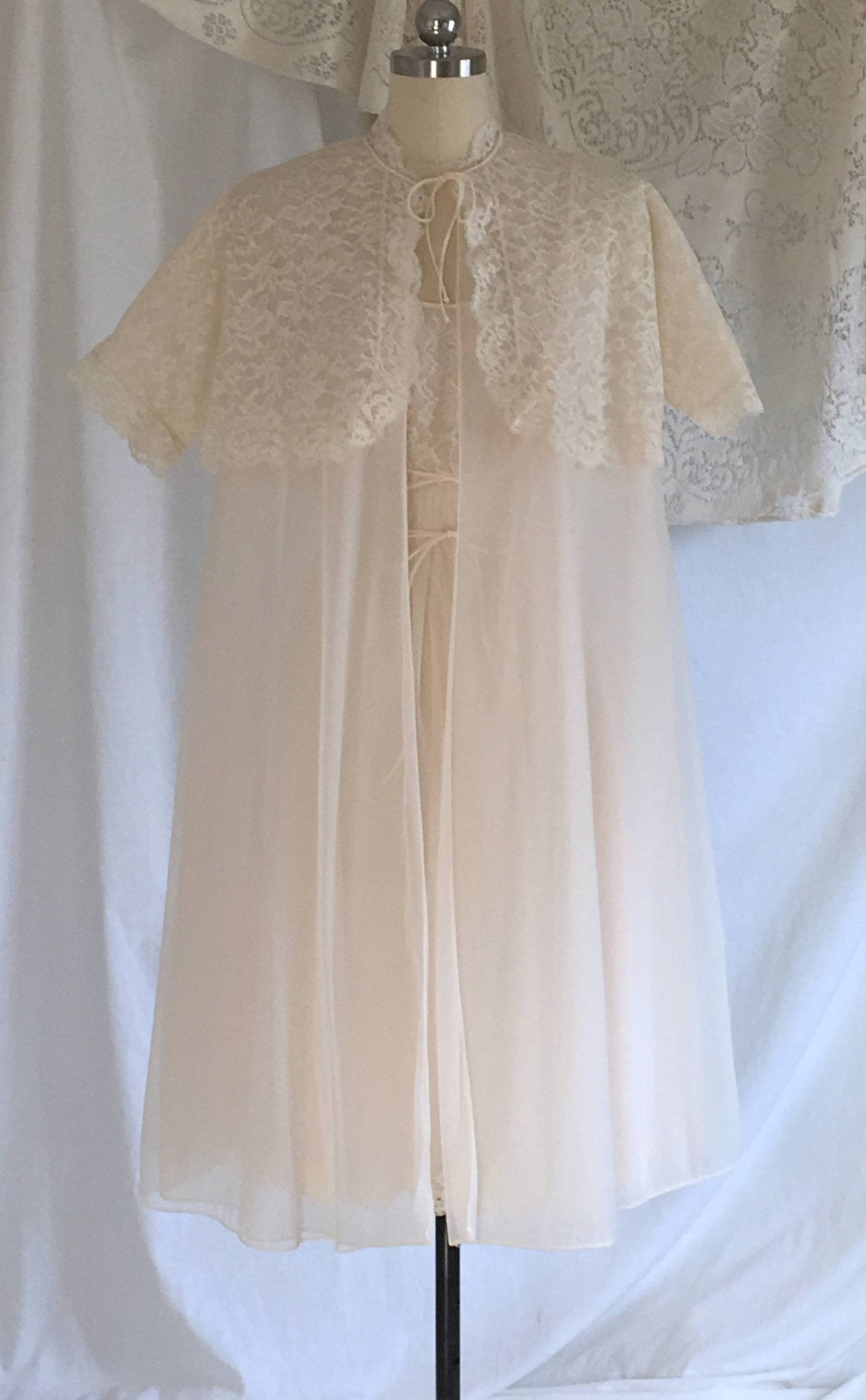 1960 Baby Doll Peignoir Vintage SHADOWLINE Lingerie sz Med Boudoir Lingerie Sheer Voile with Lace Lounge Wear Bridal Nighty