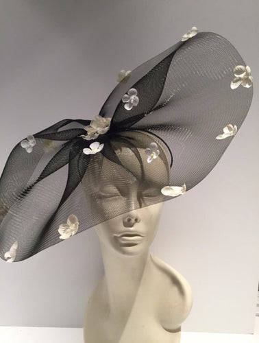 Petal Fascinator -Derby- Tea party- Black and white