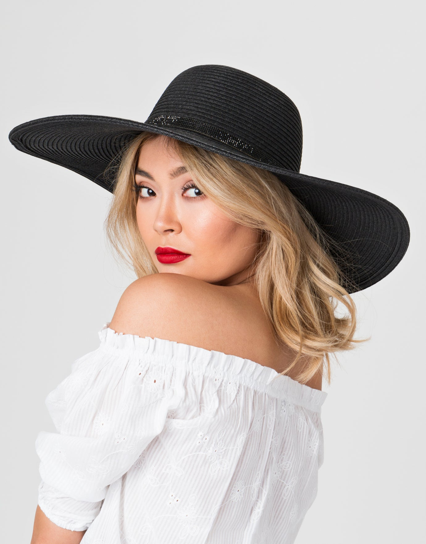 Pia Rossini Romero Hat - Black