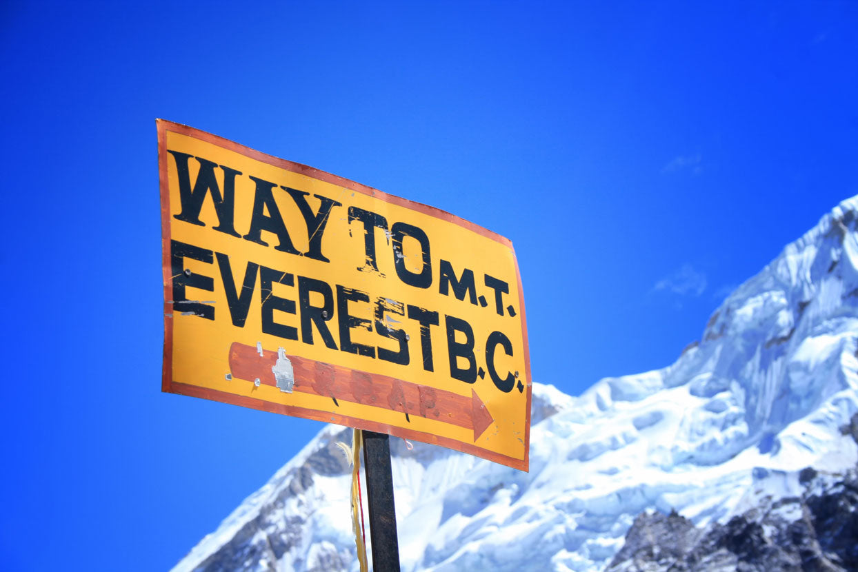 Signpost-to-the-Mount-Everest