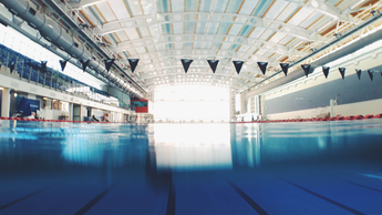 5 Popular Swimming Pool Myths Debunked