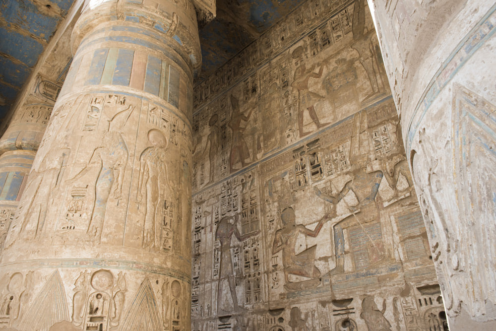 bigstock-columns-in-an-ancient-egyptian-106574936