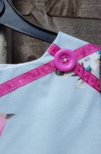 ribbon & button detail