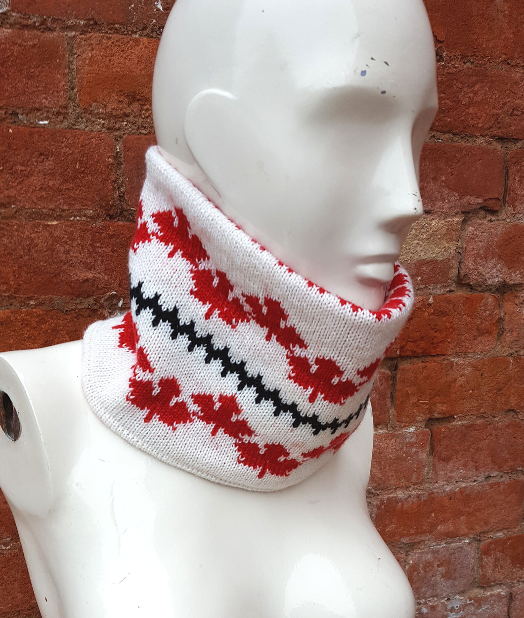 Canadian themed cowl