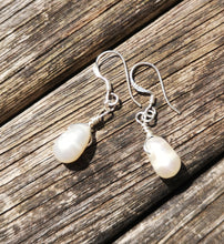 Amore earrings fresh water pearls