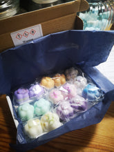 Sample boxes 8  different fragrances, wax melts, soy wax