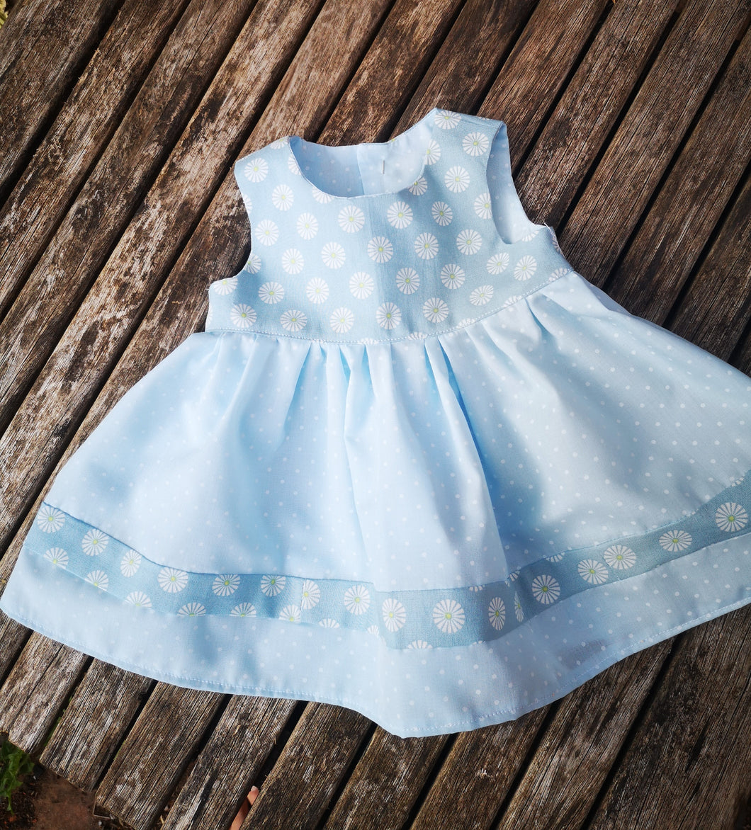 Dainty daisies, Gorgeous baby dress to fit from birth, chest size, 44cm