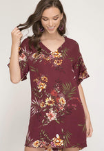 Double Ruffled Sleeve Floral Print Shift Dress (wine)