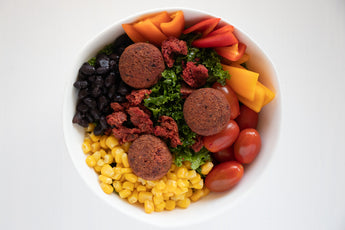 Southwest Salad with Harissa Bean Wundernuggets