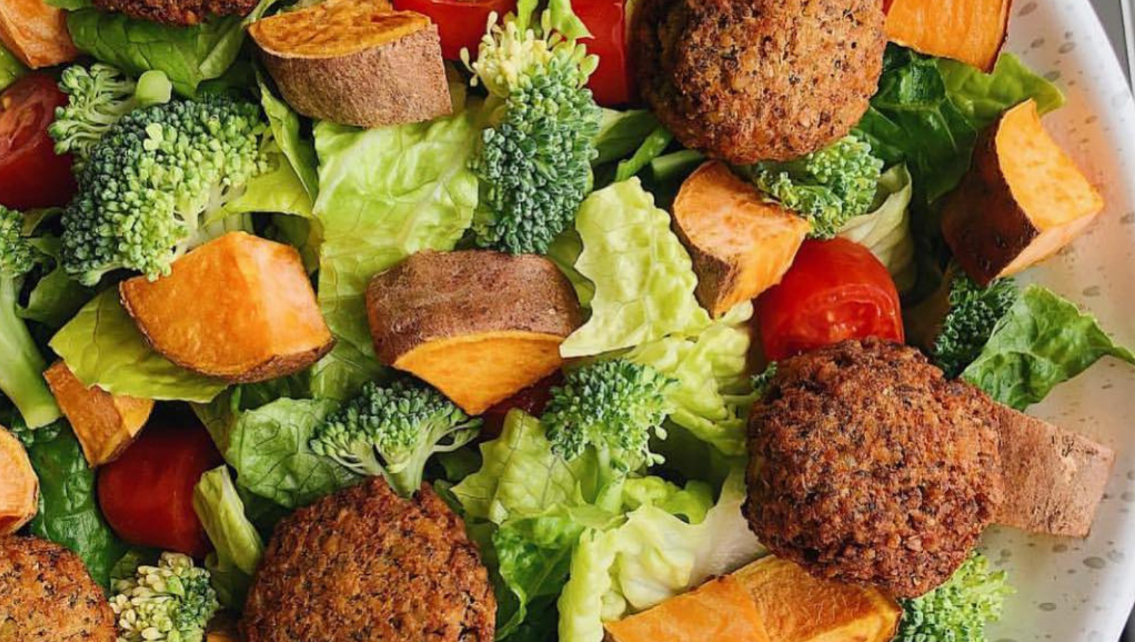 Mix up Wundernuggets in your salad bowl for a wholesome meal!