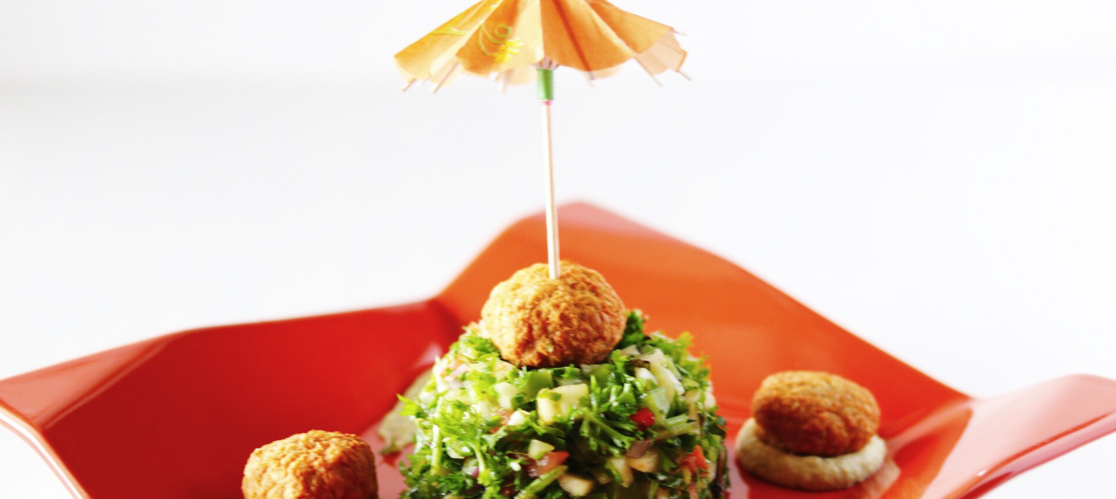 Jazz up your Tabouleh, a mediterranean salad, with Wundernuggets and Lantana Hummus
