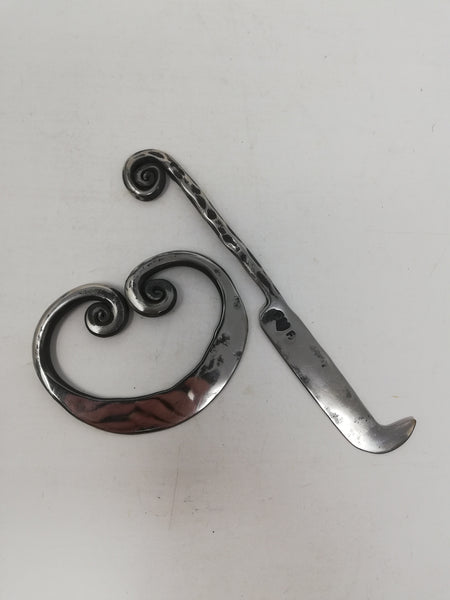 Hand forged stainless steel mezzaluna