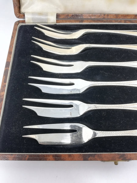 Walker and Hall silver plated dessert forks