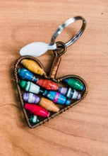 Load image into Gallery viewer, Paper Bead Keychains