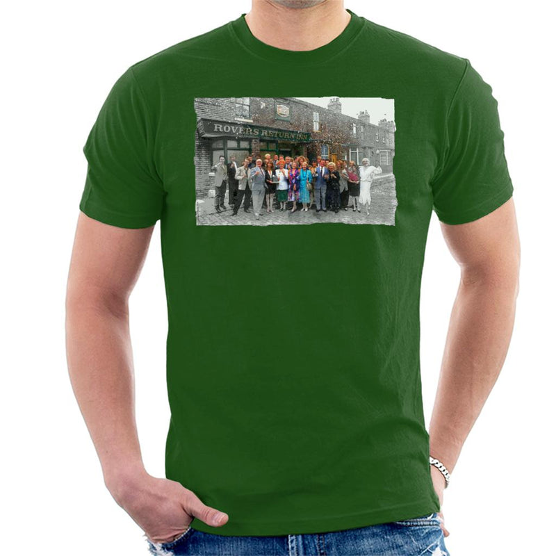 TV Times Cast Of Coronation Street Outside The Rovers Return Men's T-Shirt - POD66