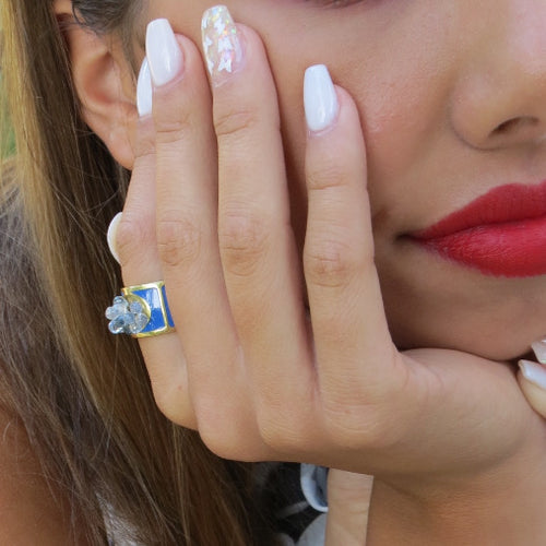White and Pale Blue Sapphire Drop with Blue Enamel Gold Band Ring / 4.9 Carats