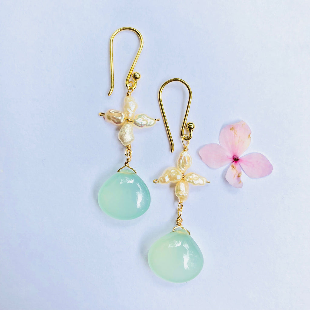Pearl And  Chalcedoney Gold Earring