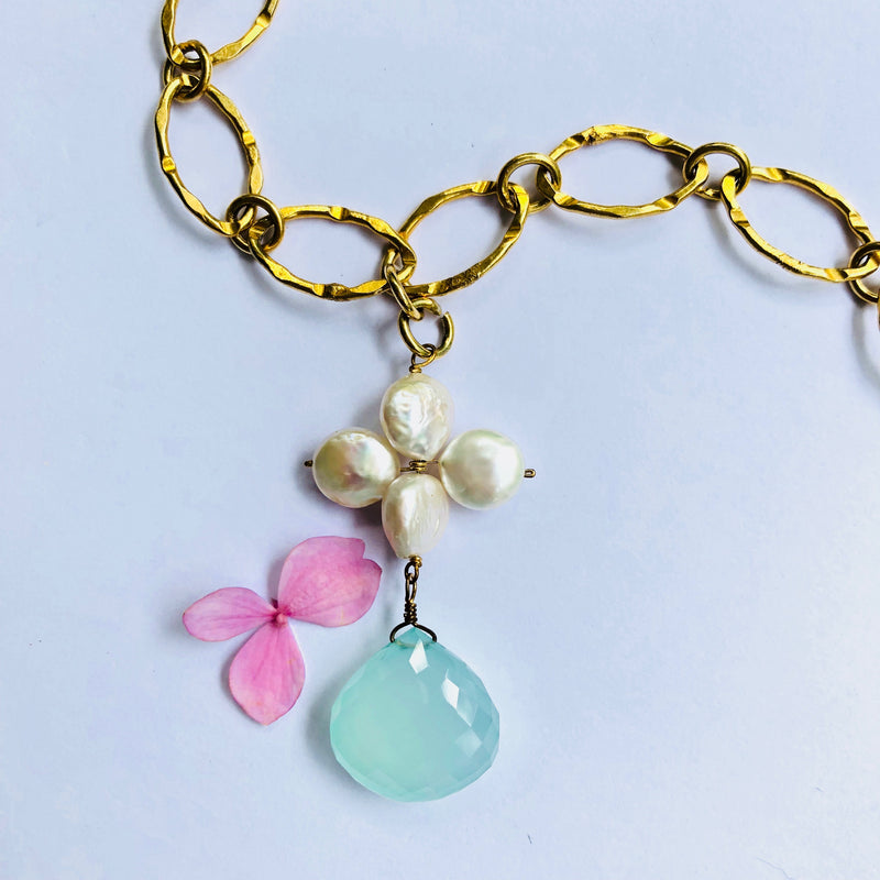 Pearl And Chalcedoney Gold  Necklace