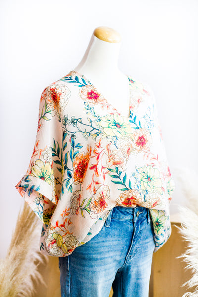 MYLA FLORAL V-NECK LIGHT TOP