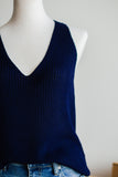 SOUTHPORT SLEEVELESS SWEATER IN NAVY