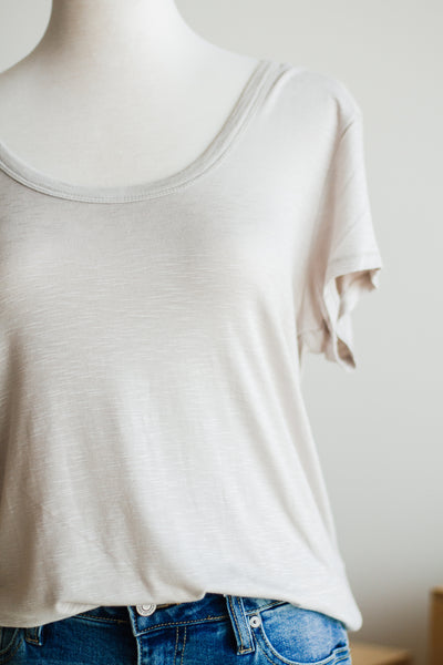 BASIC HEATHER TEE IN MOTH