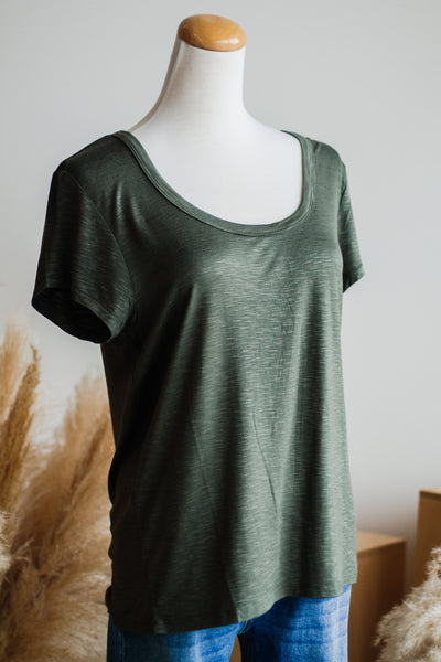 BASIC HEATHER TEE IN OLIVE