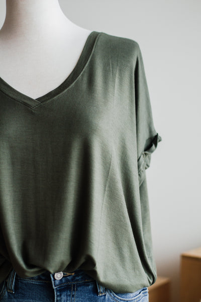 CUFF SLEEVE BASIC TOP IN OLIVE