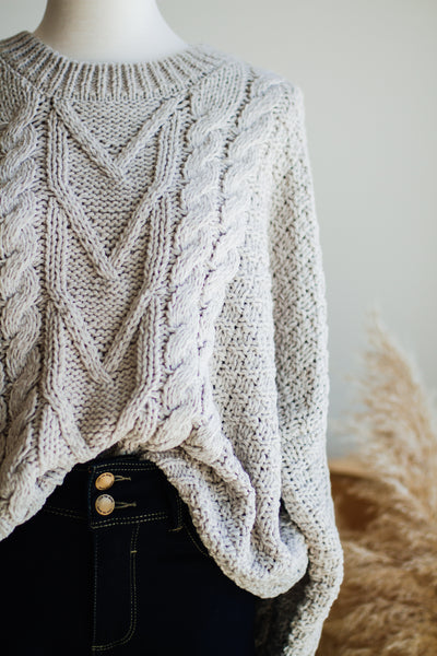 BRIDGEPORT CABLE KNIT SWEATER IN OFF-WHITE