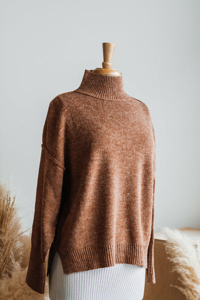 HEY HUN MOCK NECK SWEATER IN CAMEL