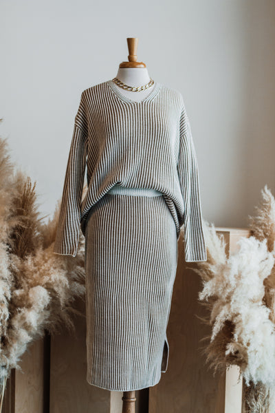 JO STRIPE SWEATER SKIRT IN CAMEL