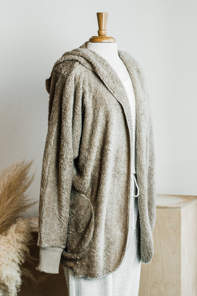 STAY COZY SHERPA HOODED JACKET IN TAUPE