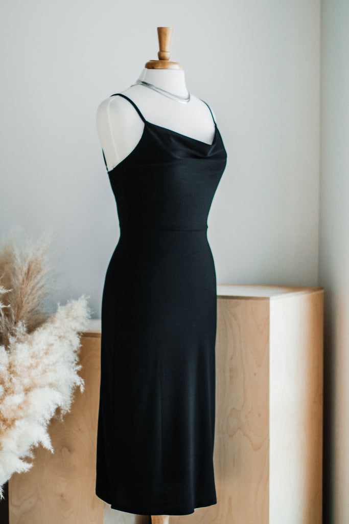 THE LITTLE BASIC DRESS IN BLACK