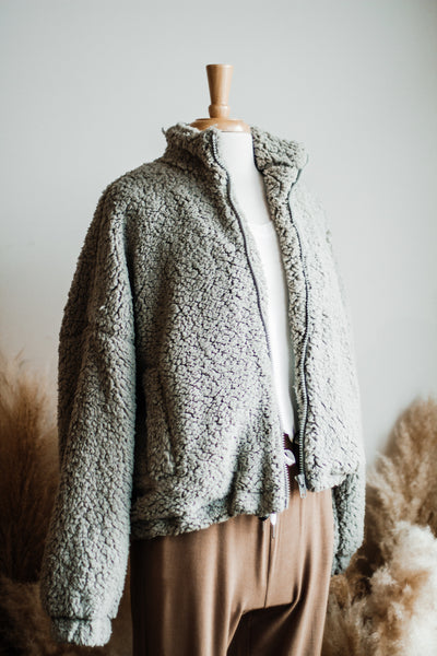 COFFEE DATE FLUFFY JACKET IN GREY