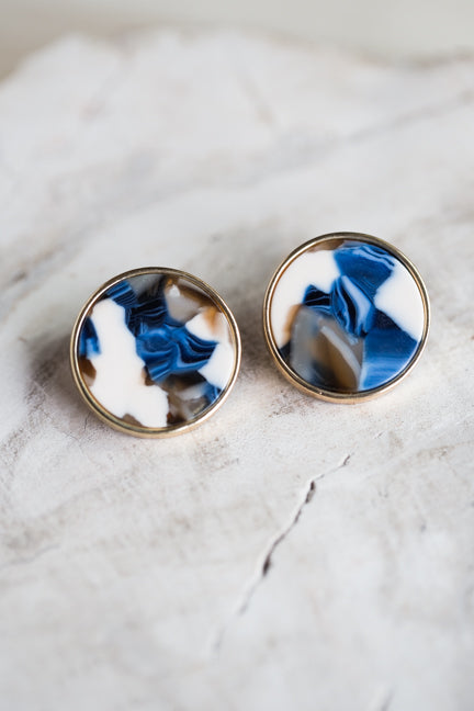 FLAT CAP EARRINGS IN BLUE