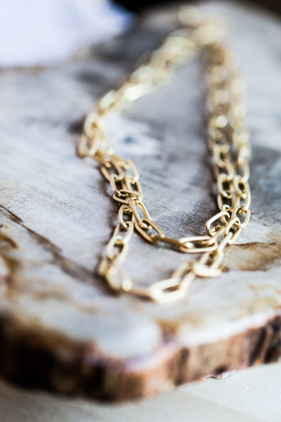 CAPUCINE LAYER GOLD CHAIN NECKLACE
