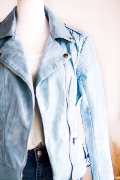 CALI SKY VEGAN LEATHER MOTO JACKET IN BLUE